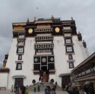 Climbing the palace
